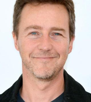edward-norton-guests-on-the-tonight